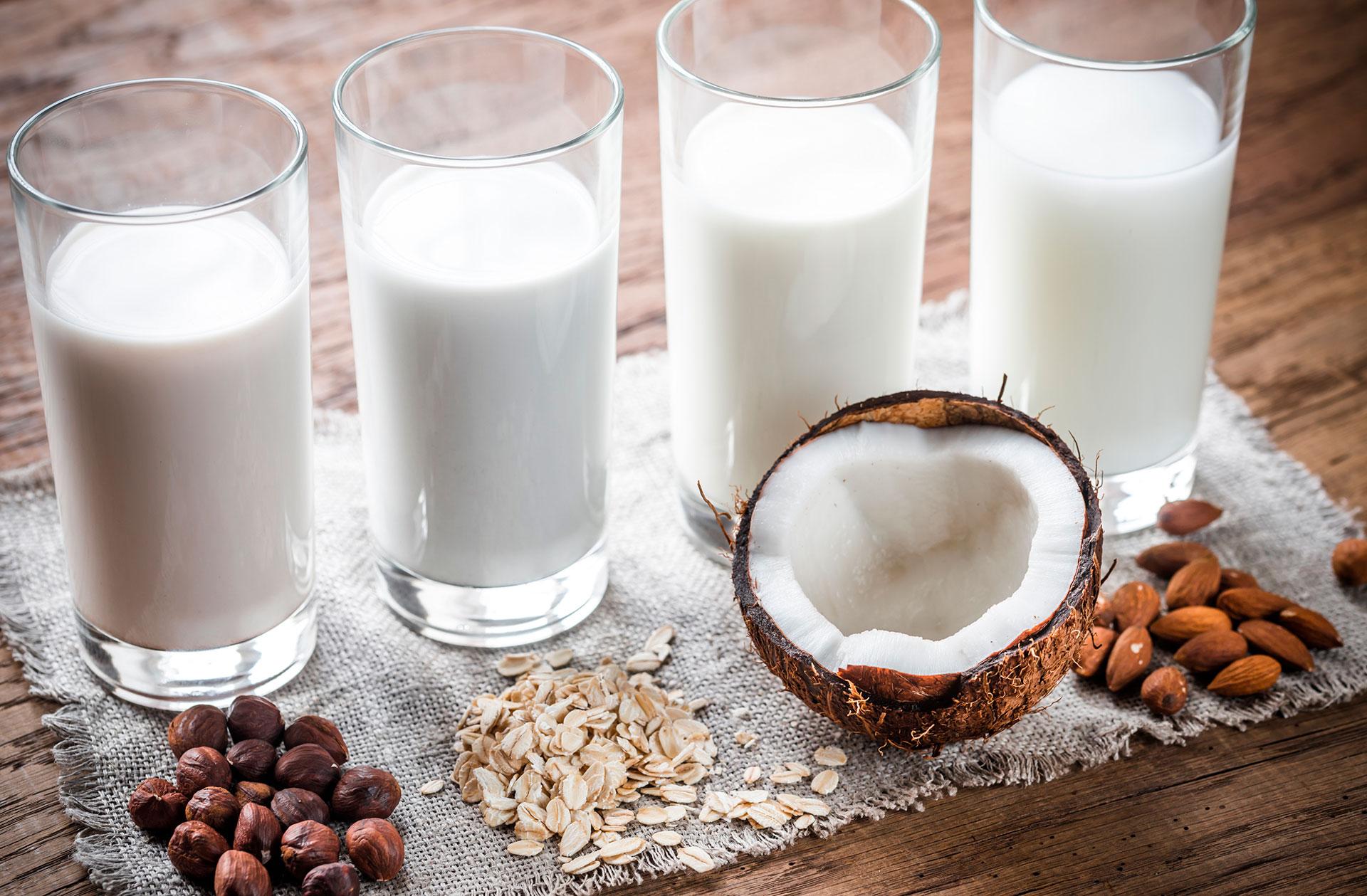 Verres de lait végétal